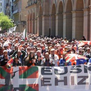 Más de 15.000 personas gritan «sí a la caza» en San Sebastián
