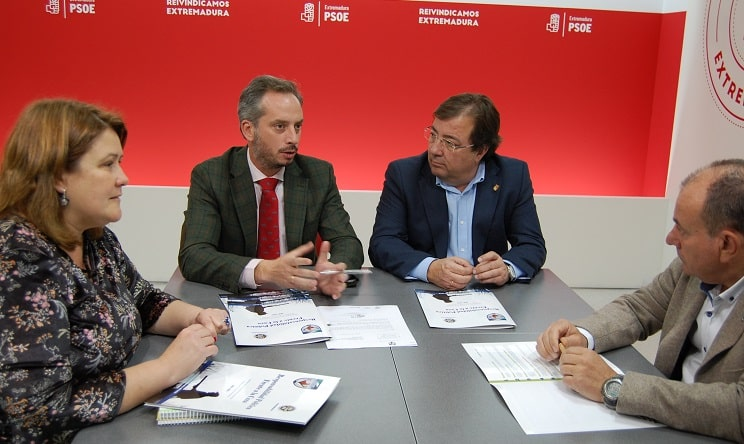 El PSOE firma el 'Decálogo por la Caza' planteado por FEDEXCAZA