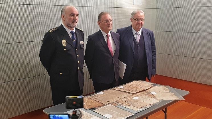 La Policía recupera un libro de Montería del Siglo XV perdido en 1800