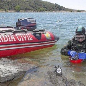 Hallan el cadáver del joven pescador desaparecido en el pantano de Orellana
