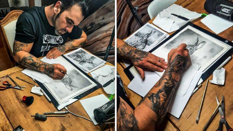 El artista pintando una de sus obras. © N.V