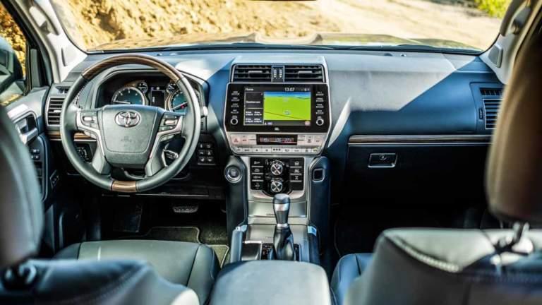 Interior del Toyota Land Cruiser, uno de los más robados en España.