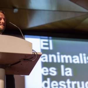 Nace un instituto de intelectuales para combatir la demagogia del animalismo