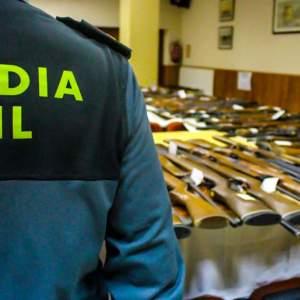 Piden año y medio de cárcel para un Guardia Civil que sacó armas de subastas para sus amigos
