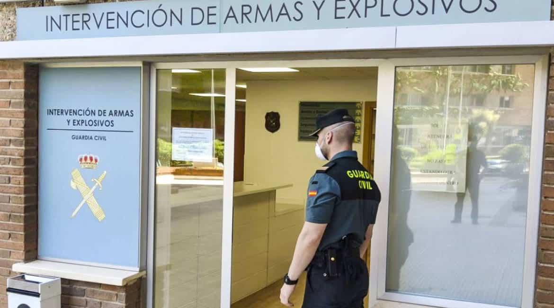 Las Intervenciones de Armas de la Guardia Civil comienzan a informar a los ciudadanos por email y SMS