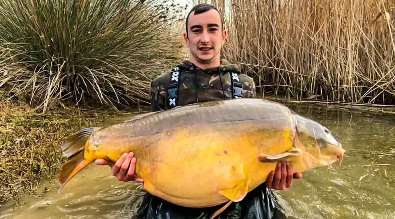 Pesca una carpa royal de 34 kilos que podría ser récord del Ebro: «Creí que era un siluro»