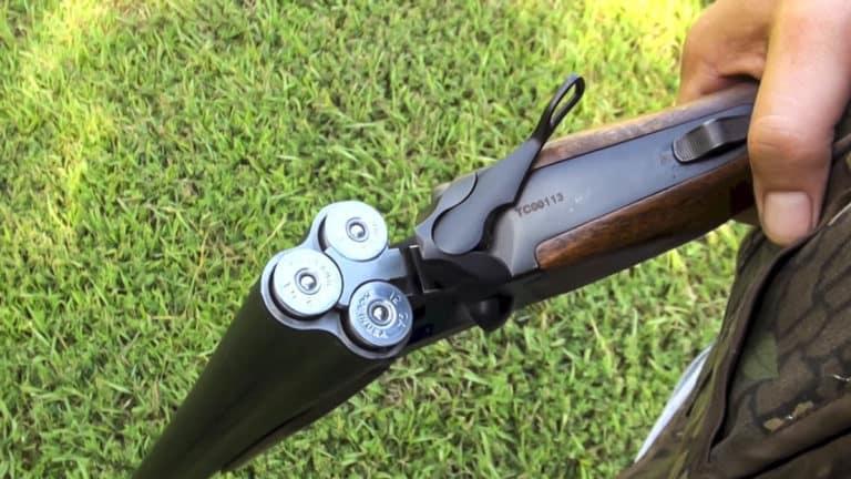 escopeta de tres cañones