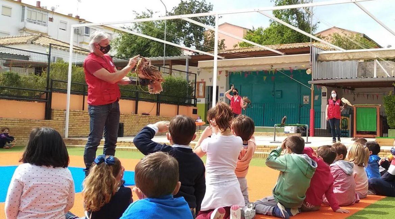 La FAC acerca la naturaleza a 150 niños a través de la Cetrería