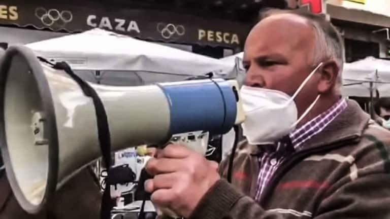 Ganadero en una protesta contra el blindaje del lobo en Zamora.
