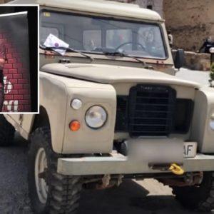 Desternillante parodia del Land Rover Santana, un clásico para la caza y el campo
