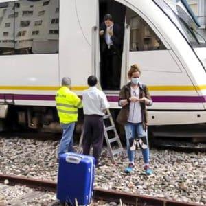 El tren de Ferrol a Gijón atropella a un jabalí y se generan más de dos horas de retrasos