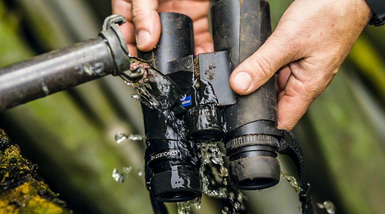 Cómo limpiar unos prismáticos o un visor de caza cuando se ensucian