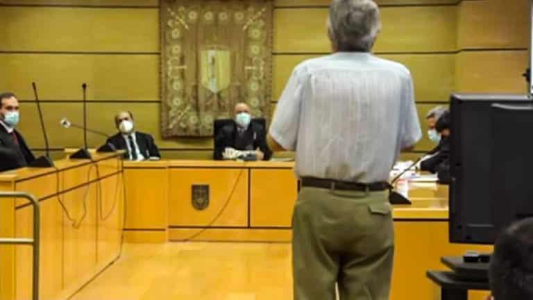 El hombre declarando ante el juez. © Lanza