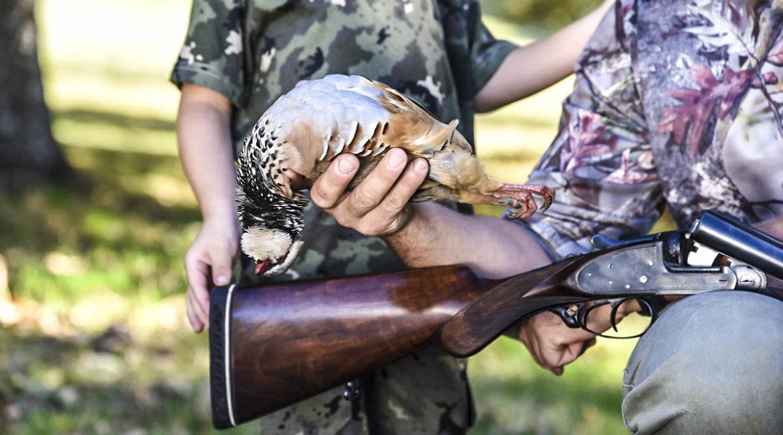 Un cazador denuncia haber sido agredido en su coto: «Me dieron un puñetazo delante de mi hijo»