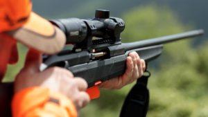 Beretta lanza su primer rifle de caza: un rectilíneo llamado BRX1
