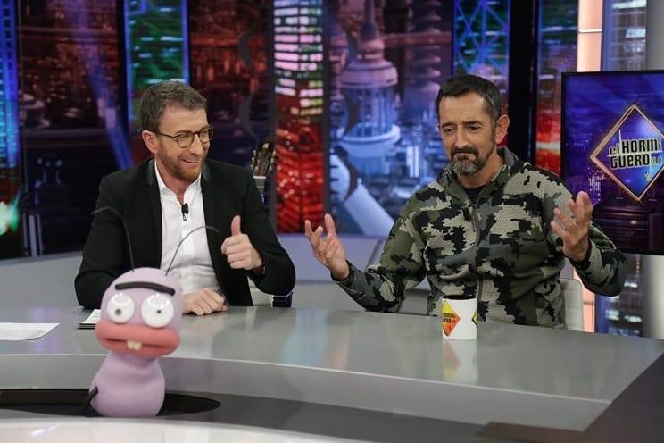Pedro Cavadas acude a El Hormiguero vestido con ropa de caza