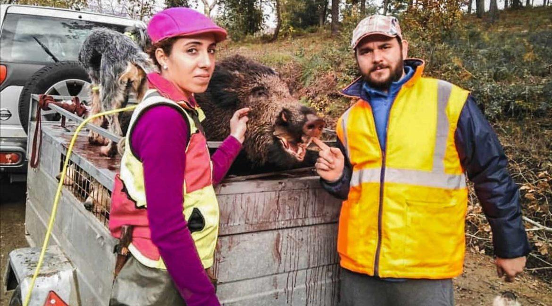 De animalista a mujer cazadora: así pasó de boicotear batidas a cazar jabalíes en Galicia