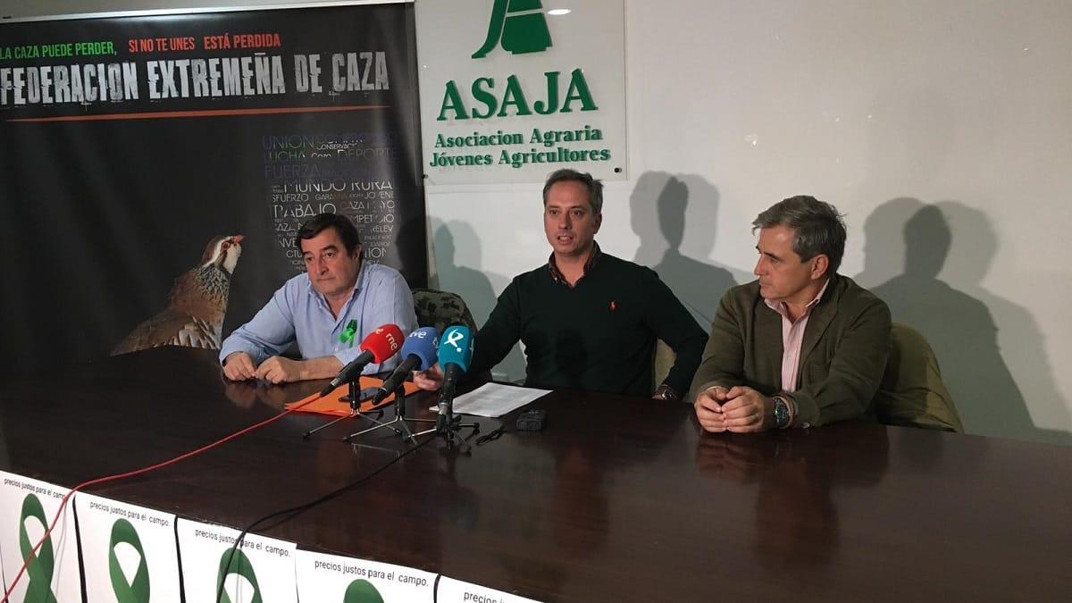 Agricultores y cazadores se unen en Extremadura para  desarrollar la Ley de Caza