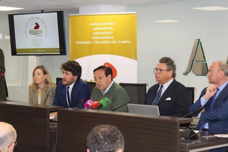 La Alianza Rural se constituye legalmente: caza, pesca, toros, agricultura y ganadería unidos