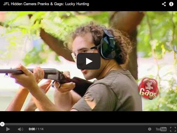 Recopilación de bromas de cámara oculta con cazadores: ¡cinco vídeos!