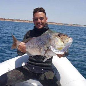 Continúa la búsqueda del joven desaparecido en Cádiz que practicaba pesca submarina