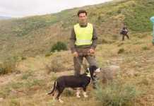 Emotiva cancion dedica cazador a su perra tras morir