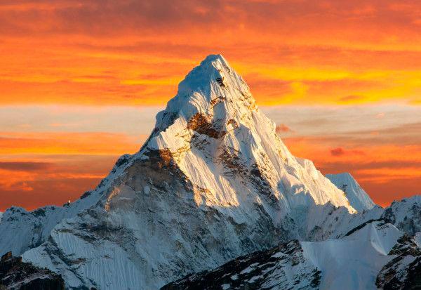 """Escala el Everest para demostrar que """"los veganos podemos hacer cualquier cosa"""" y muere en el intento"""