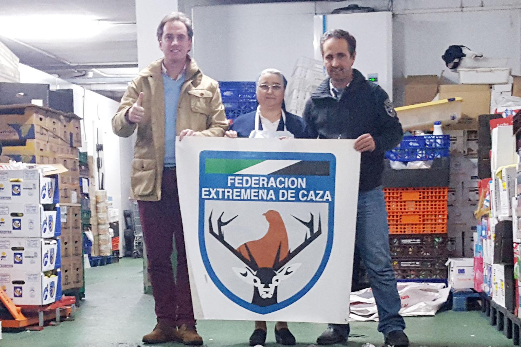 FEDEXCAZA dona 1.400 raciones de comida a un comedor social