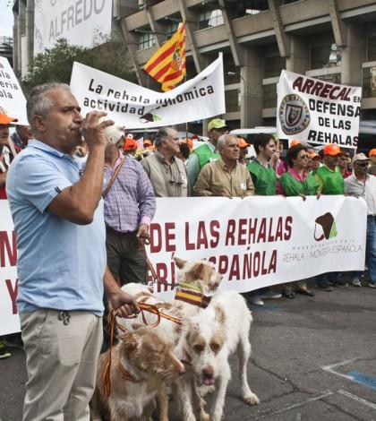 Imagen de la cabecera de la manifestación del pasado 13 de septiembre en defensa de la rehala / Foto: Jara y Sedal