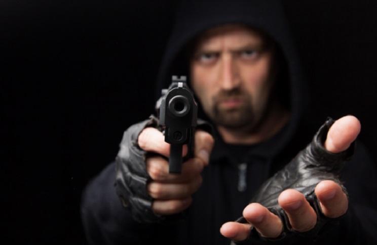 Autorizan en Italia el libre uso de armas en defensa propia