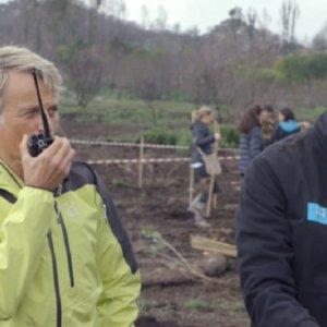 Acusan a Jesús Calleja de «manipular» lo sucedido con los incendios en Galicia