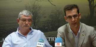 Juan de Dios García (I) y Luis Fernando Villanueva (d)