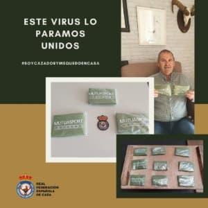 La Federación Española de Caza dona batas impermeables para luchar contra el coronavirus