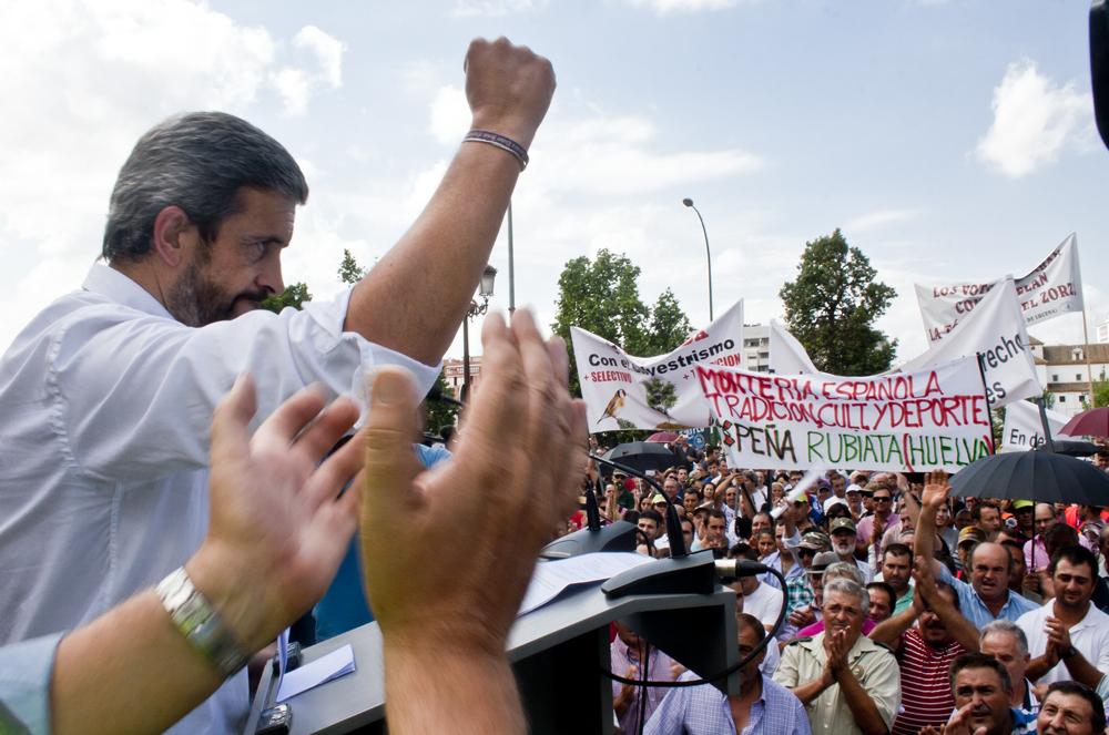 El sector cinegético convoca y apoya la manifestación en defensa del mundo rural