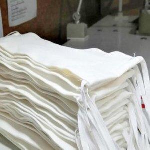 Cazadores donan dinero para comprar tela con la que fabricar mascarillas contra el coronavirus