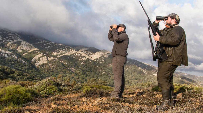 10 prismáticos para cazar hasta la última luz del día
