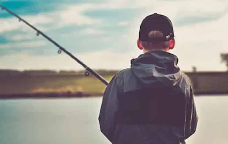 Los menores de 14 años podrán pescar sin licencia en Galicia