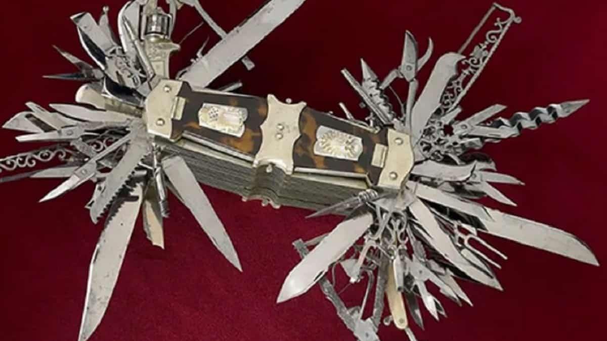 Esta navaja multiusos tiene más de 100 herramientas ¡y una pistola del calibre .22!