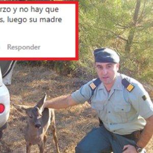 La Guardia Civil publica la foto de un agente con un corcino y los cazadores lo reprueban