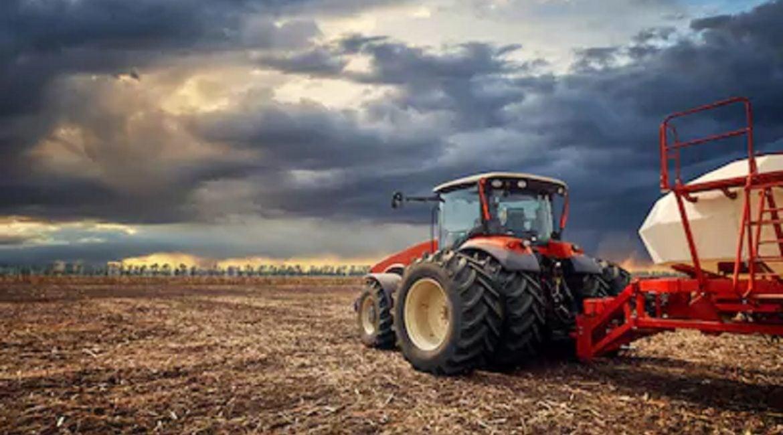 Dos agricultores mueren aplastados por sus tractores