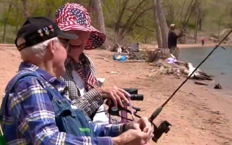 Este veterano de guerra practica la pesca desde hace 96 años