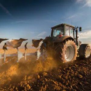 Muere un agricultor de Valencia tras volcar el tractor que conducía y quedar debajo atrapado