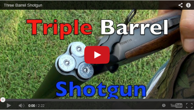 Una escopeta de caza de tres cañones