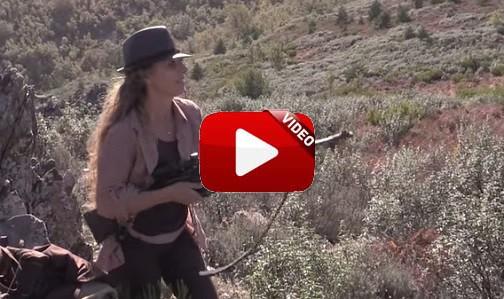 Chary, una cazadora 'rock & roll'