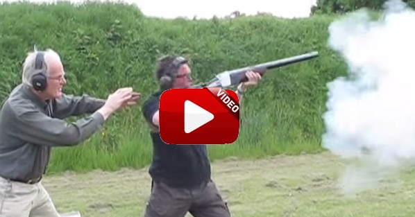 Prueban este antiguo rifle y… mira lo que sucede