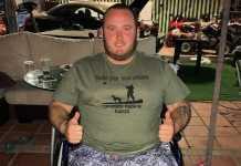 Samuel Rojano vestido con la camiseta diseñada para contribuir con esta causa / Fotografía: Faceboook