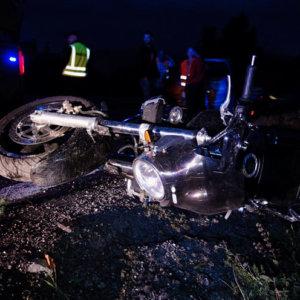 Un motorista muere tras chocar con un jabalí y ser atropellado por un camión en Castellón
