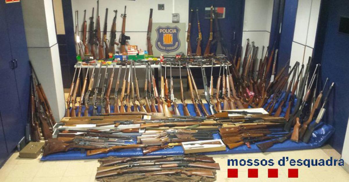 Incautan 174 armas en casa de una mujer viuda
