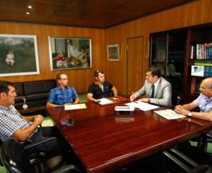 Representantes de Asaja reunidos ayer con Alberto Castro / Foto: Emilio Fraile