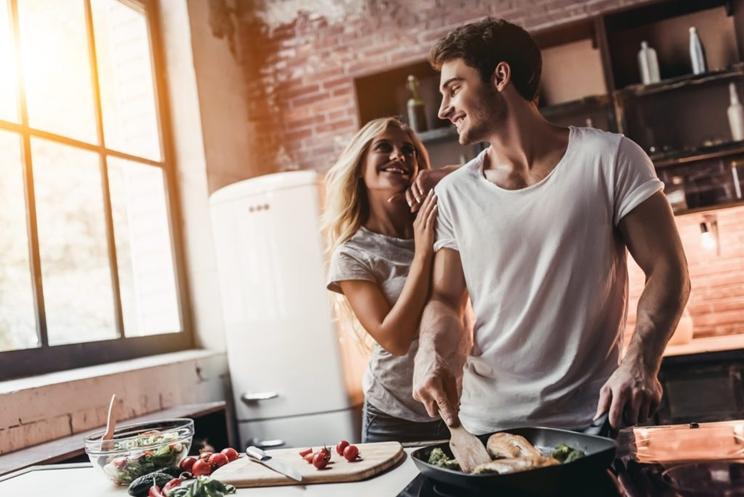 Cazador cocinando / Fotografía: www.wideopenspaces.com